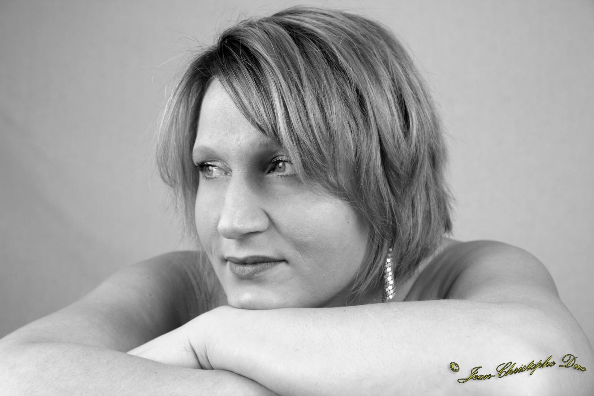 Ode chanteuse charismatique du Puy de Dôme